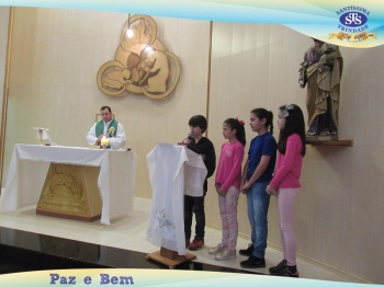 Celebração Eucarística na Capela do Colégio - Alunos e Famílias do 5º ano