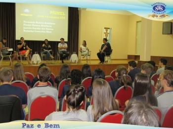Ensino Médio - Painel com ex-alunos