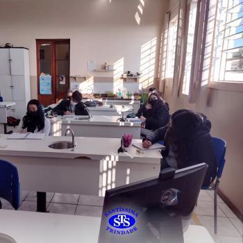 1ª série EM | Aula prática no Laboratório