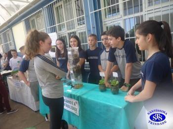 Feira de Ciências com alunos do 6º e 7º anos