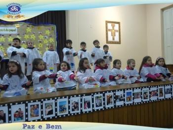 Homenagem aos Pais - A2 e Nível B (turmas 032 e 033)