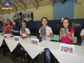 Lançamento do livro Nossas Histórias - 2º ano 3 e 4