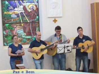 Celebração Eucarística com os Profissionais do Colégio.