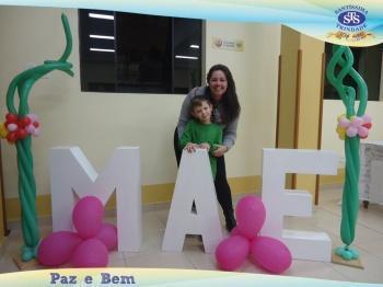 Homenagem às Mães - 1º ano 2 e 1º ano 3 / 2º ano 1 e 2º ano 3