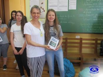 Alunos e professores foram homenageados pela participação em Concurso