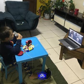 Aulas remotas no Infantil 3